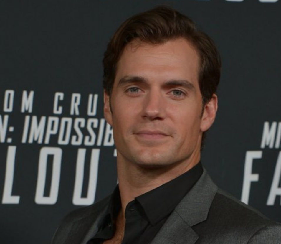 Henry Cavill to Topline Netflix Drama Series 'The Witcher'