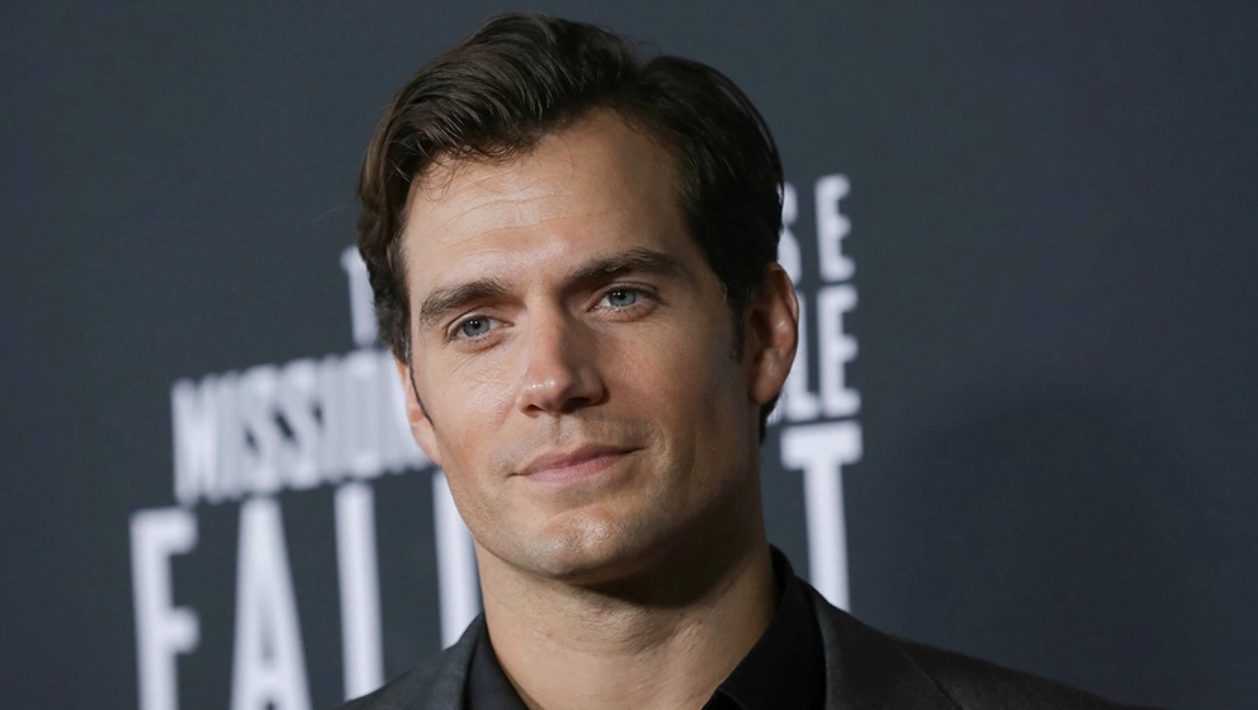 Henry Cavill to Play Sherlock Holmes Opposite Millie Bobby Brown in 'Enola Holmes'